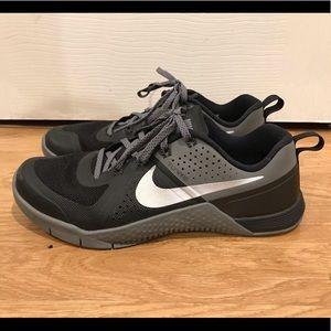Nike Metcon 1 Training Shoe Men Size 8 704688-002